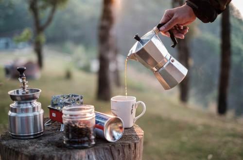 Kawa w plenerze, czyli jak zaparzyć małą czarną w podróży?