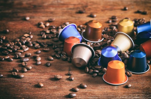 Kawa ziarnista vs kawa w kapsułkach – czym się różnią?