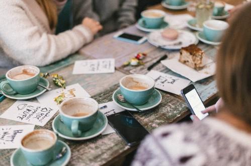 Dlaczego warto pić kawę w pracy?