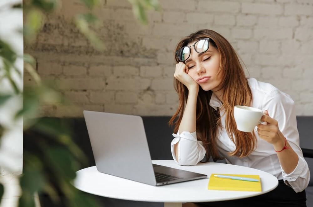 Zawartość kofeiny w kawie – jaki rodzaj kawy pobudza najbardziej?