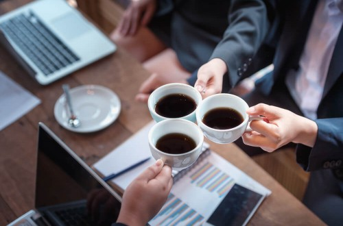 Kawa do biura – czym kierować się podczas wyboru?