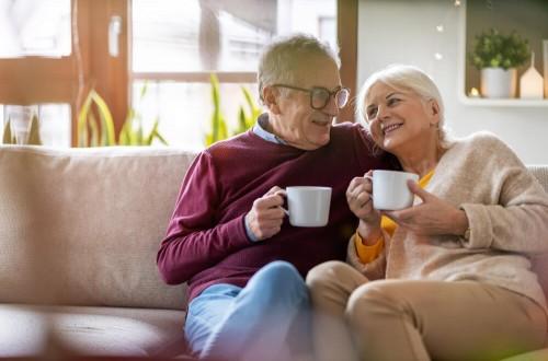 Kawa w diecie seniora – czy osoby starsze mogą pić kawę?