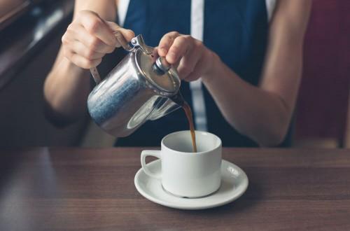 Czy kofeina podnosi ciśnienie? Fakty i mity o kawie