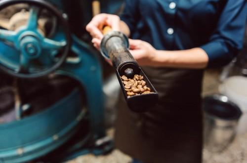 Jak dobrać stopień palenia kawy do sposobu parzenia?